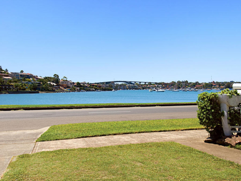 Waterfront Reserve with Northerly Bay Views.